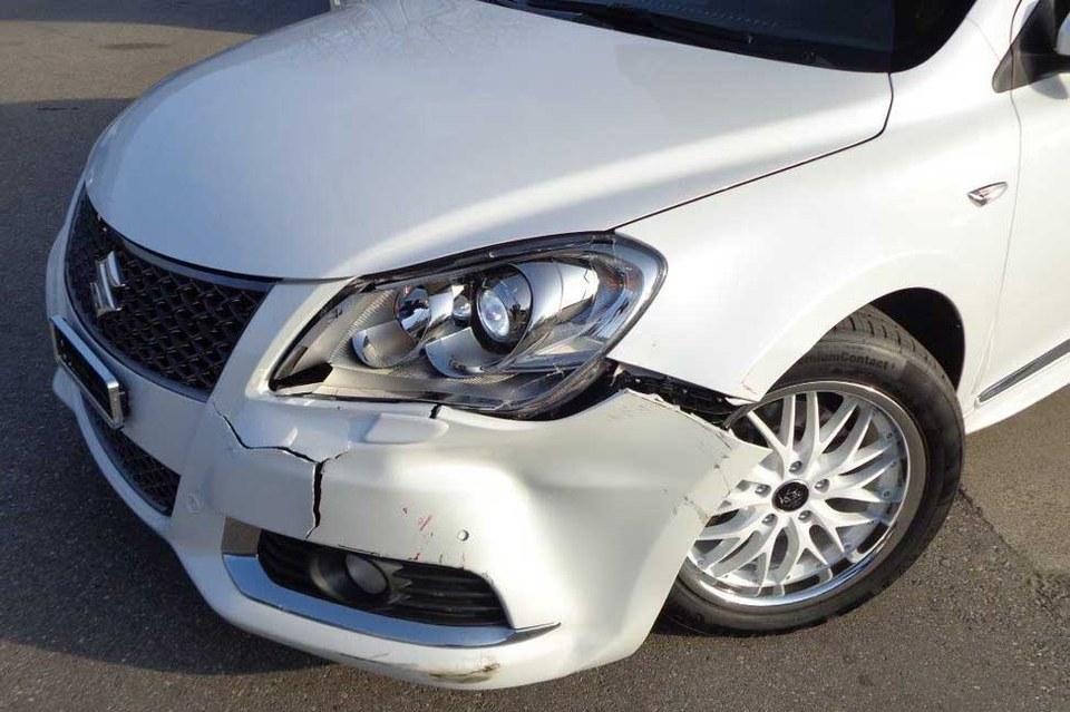 Unfall Reparaturen und Abwicklung