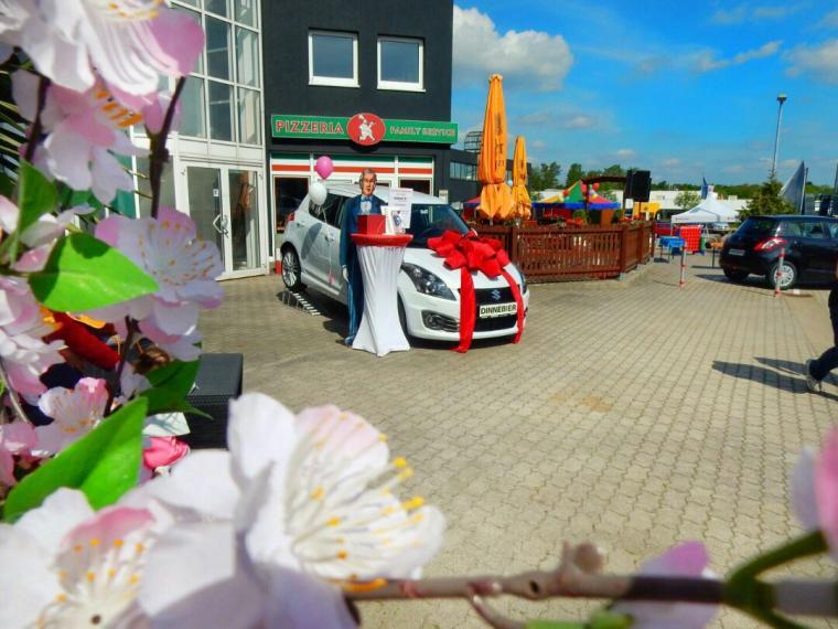 SUZUKI-Kirschblütenfest im Mai 2016