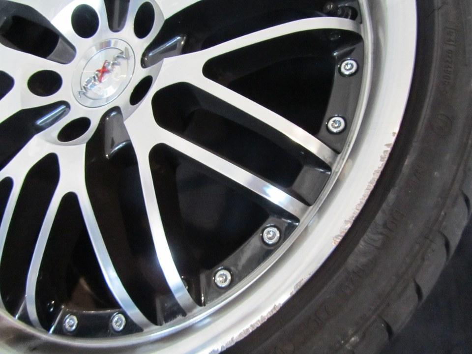 BMW E90 mit Felgenrandbeschädigung