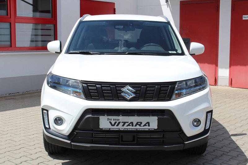 Vitara Black and White