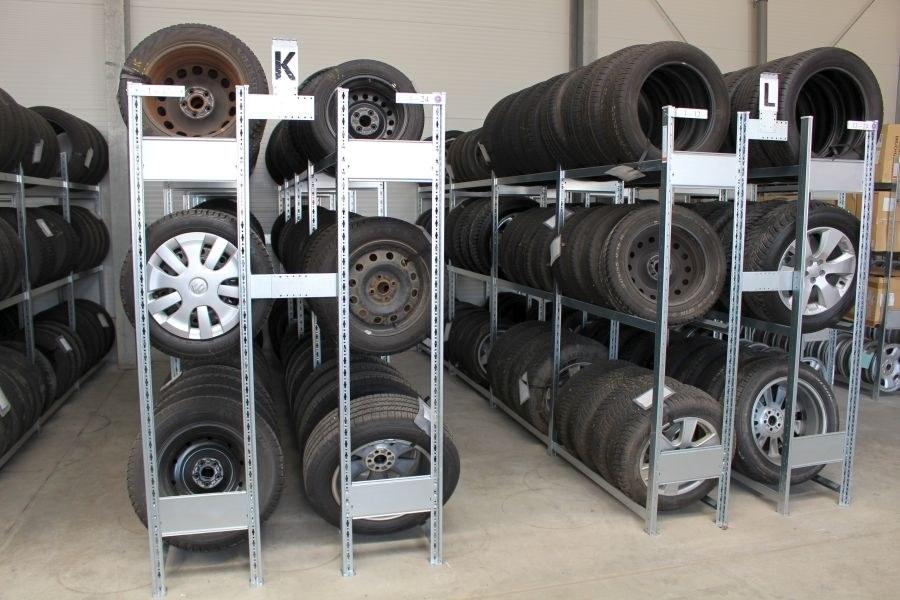 Reifeneinlagerung im Autohaus Schüppler