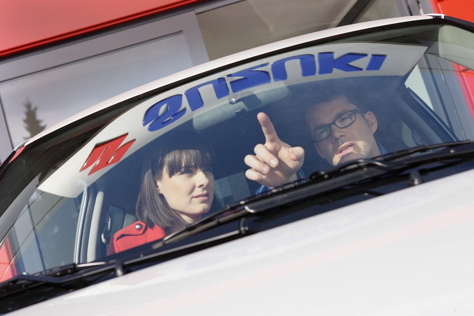 Suzuki Service Glasreparatur