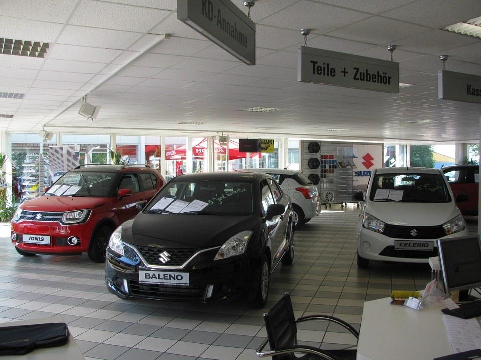 Unsere Suzuki Verkaufshalle.