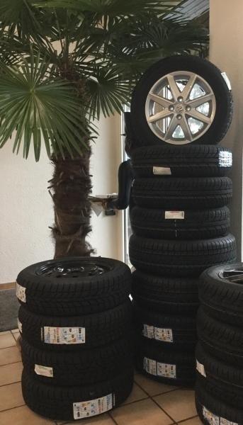 Service - Wir wechseln Ihre Reifen und lagern sie gerne bei uns ein